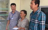 Trao sổ tiết kiệm cho cựu TNXP 80 tuổi vẫn phải phụ hồ kiếm sống