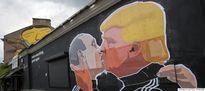 Báo Mỹ tố ông Donald Trump mời Nga tấn công tin tặc