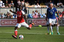 Arsenal thắng chật vật các ngôi sao MLS vào phút chót