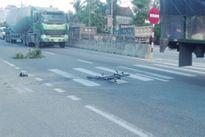 Camera bên đường tố cáo tài xế xe tải tông chết bé trai 8 tuổi