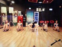 Fan tuyên bố đây là vũ đạo sốc và lố bịch nhất lịch sử Kpop
