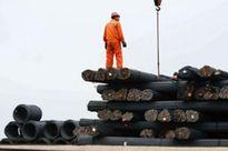 Mỹ và châu Âu đồng loạt giáng đòn đau vào thép Trung Quốc