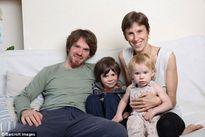 Cặp vợ chồng gây sốc với kiểu nuôi dạy con không khác gì thời nguyên thủy