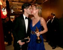 Hạnh phúc đáng ngưỡng mộ của những cặp đôi nổi tiếng