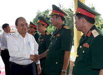 Thủ tướng: Chính phủ sẽ luôn dành nguồn lực thích đáng cho quân đội