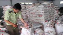 Bắt tạm giam thủ kho 'rút ruột' hơn 19 tấn phân bón