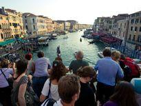 Venice dọa bỏ tù 'khách du lịch có hành vi xấu'