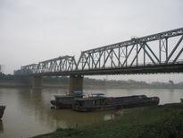 Sửa cầu Việt Trì, cho phép ô tô dưới 7 chỗ lưu thông