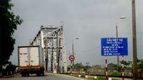 Sửa cầu Việt Trì, cho phép xe con đi qua miễn phí