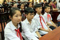 """Học bổng """"Niềm tin Việt"""" nâng bước học sinh nghèo"""