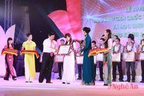 51 học sinh Nghệ An đạt điểm xét tuyển đại học cao được tuyên dương