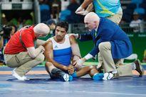 OLYMPIC 2016: Thêm một chấn thương nghiêm trọng trên sàn đấu