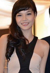 Không chỉnh răng, 8 sao Việt này không dám cười