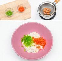 Cách làm cơm cuộn xúc xích chiên giòn thơm ngon