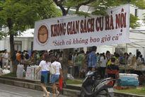 Bão số 3 ảnh hưởng hội chợ sách cũ Hà Nội