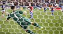 Atletico Madrid 1-1 Alaves: Kịch tính 4 phút bù giờ, Atletico đánh rơi 2 điểm