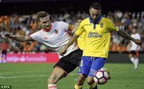 Xong! Valencia tuyên bố không bán Shkodran Mustafi cho Arsenal