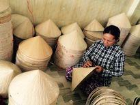 Nghề chằm nón lá Bình Định trên đất Bạc Liêu