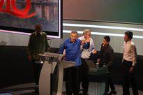 Thủ tướng Singapore Lý Hiển Long ngã khụy khi phát biểu