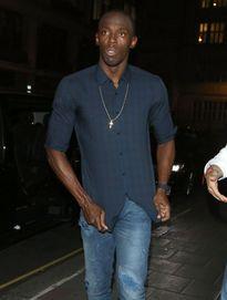 Usain Bolt tiếp tục thâu đêm tiệc tùng với 4 cô gái nóng bỏng