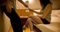 """Nỗi đau của những phụ nữ Nhật Bản phải đi """"làm gái"""" để nuôi con"""