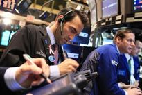Giá vàng, chứng khoán và dầu thô đồng loạt giảm mạnh