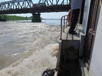 Đường thủy chặn phương tiện đâm vào thành cầu