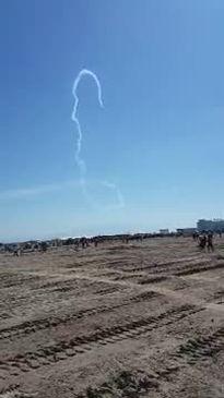 Máy bay Trung Quốc đâm thẳng xuống đất, phi công thiệt mạng