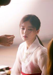 Sao nhí Kim Yoo Jung đẹp như nữ thần gây xôn xao mạng xã hội