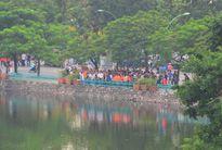 Gần 300 bạn trẻ chụp bức hình selfie lớn nhất Việt Nam