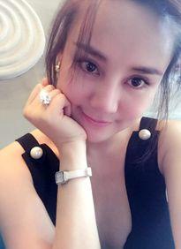 Những lần khoe nhẫn kim cương ồn ào của sao Việt