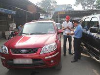 Siết chặt quản lý taxi Uber, Grab tại Hà Nội và TP.HCM