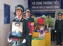 Rơi máy bay ở Phú Yên: Nghẹn ngào tiễn đưa phi công Phạm Đức Trung