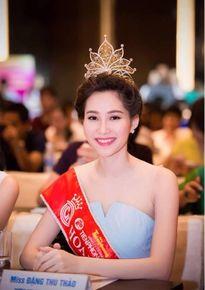 Cựu Hoa hậu Việt Nam đọ nhan sắc: Ai đẹp hơn?
