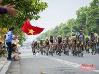 Sôi nổi cuộc đua xe đạp quốc tế VTV Cúp Tôn Hoa Sen
