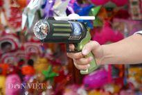 Đồ chơi bạo lực nhan nhản trên phố Hàng Mã dịp Trung thu