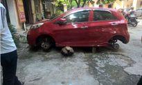 Ôtô đỗ vỉa hè bị trộm 'vặt' sạch 4 bánh xe