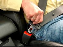 Nhiều người không cài dây an toàn khi sử dụng ô tô
