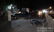 Mặc nạn nhân bị xe tông chết, nhiều người thừa dịp hùa đến 'hôi' tiền
