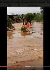 Gia Lai: Bộ đội Biên phòng cứu 6 người bị cô lập do lũ