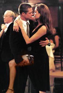 Angelina Jolie và Brad Pitt ly dị, Jennifer Aniston phản ứng thế nào?