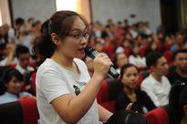 Sinh viên Hà Nội giao lưu với TS. Lê Thẩm Dương