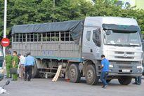 Muốn an toàn, đừng lởn vởn bên xe tải