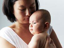 Khi thấy những triệu chứng này sau sinh, mẹ phải tới bệnh viện ngay!