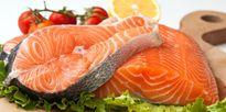 Cá hồi nuôi là thực phẩm độc hại?