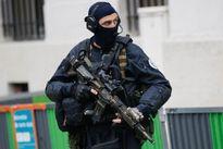 Xả súng tại Pháp khiến 2 người bị thương, nghi phạm đang lẩn trốn