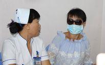 Ngực bị vôi hóa vì bệnh nhân bơm silicon dạo