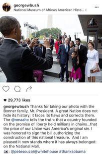 Hành động vô cùng đáng yêu của Tổng thống Obama