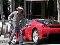 10 ngôi sao giải trí Mỹ sở hữu siêu xe đắt nhất thế giới