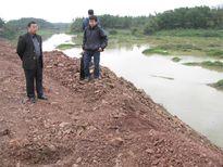 Phớt lờ chỉ đạo khắc phục hậu quả đổ đất lấn sông Cầu